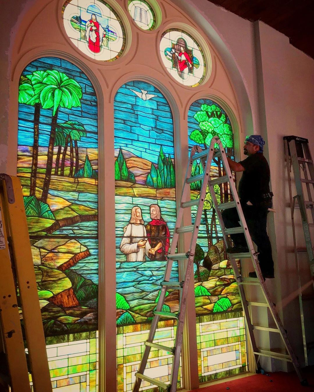 Tabernacle Missionary Baptist Church - Stained Glass of Miami
